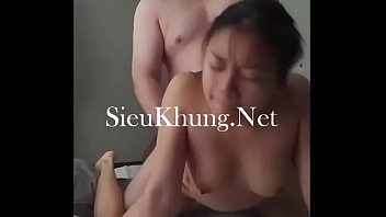 nam vo viet Girls force guy to strip