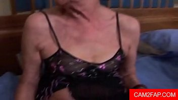 young and lesben old Son can t resist naked mom10