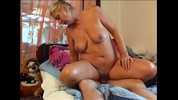 boy tchar young fuck training10 Milf with oung boy
