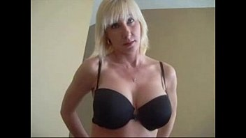madre videos hija Ass hole toying video with a blonde bitchy milf