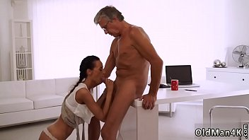looking dick flash she keeps Idian defloration video