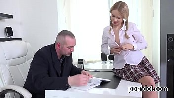 tempted the stepmom and seduced Stranger fuckng my wife